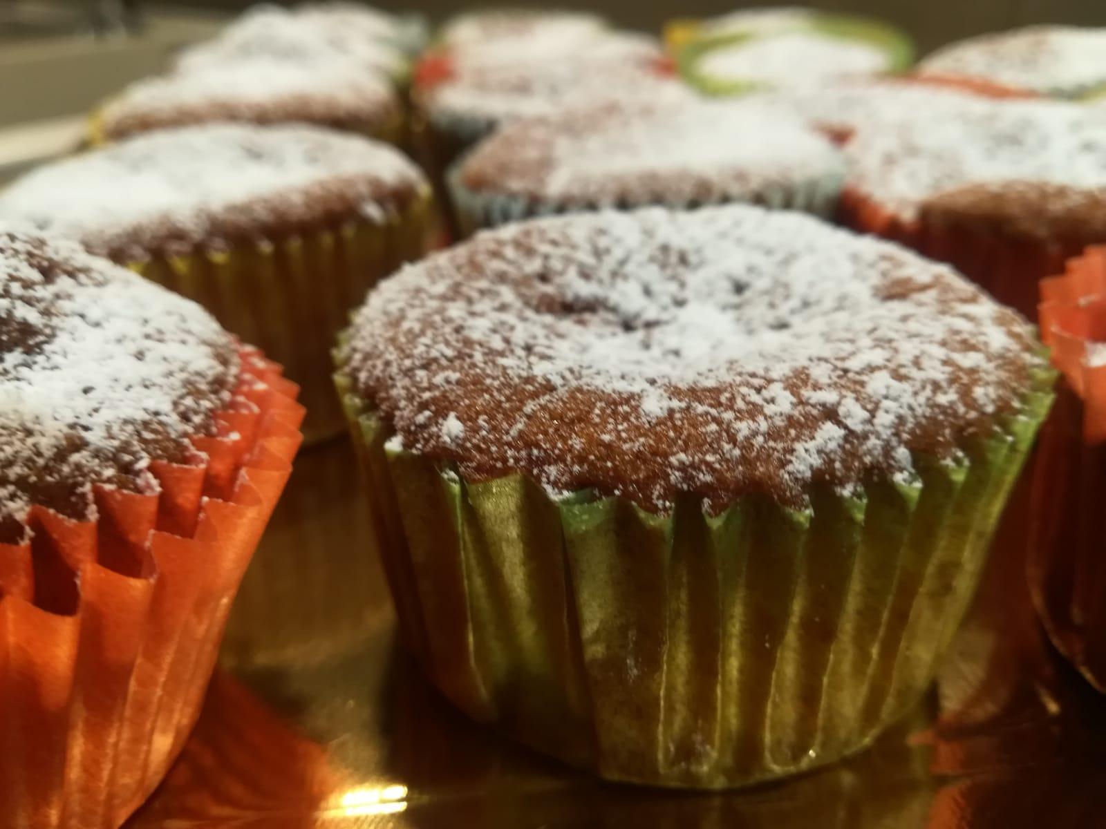 Muffin con panna e marmellata di albicocche della Monica