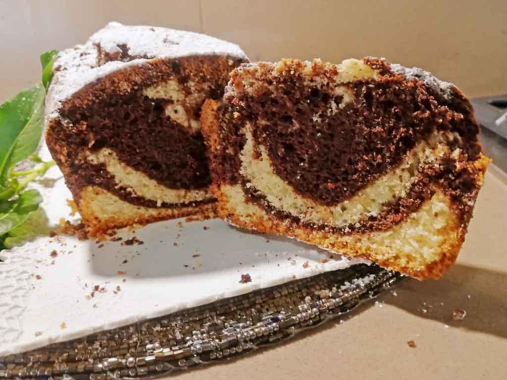 Plumcake soffice marmorizzato della Monica