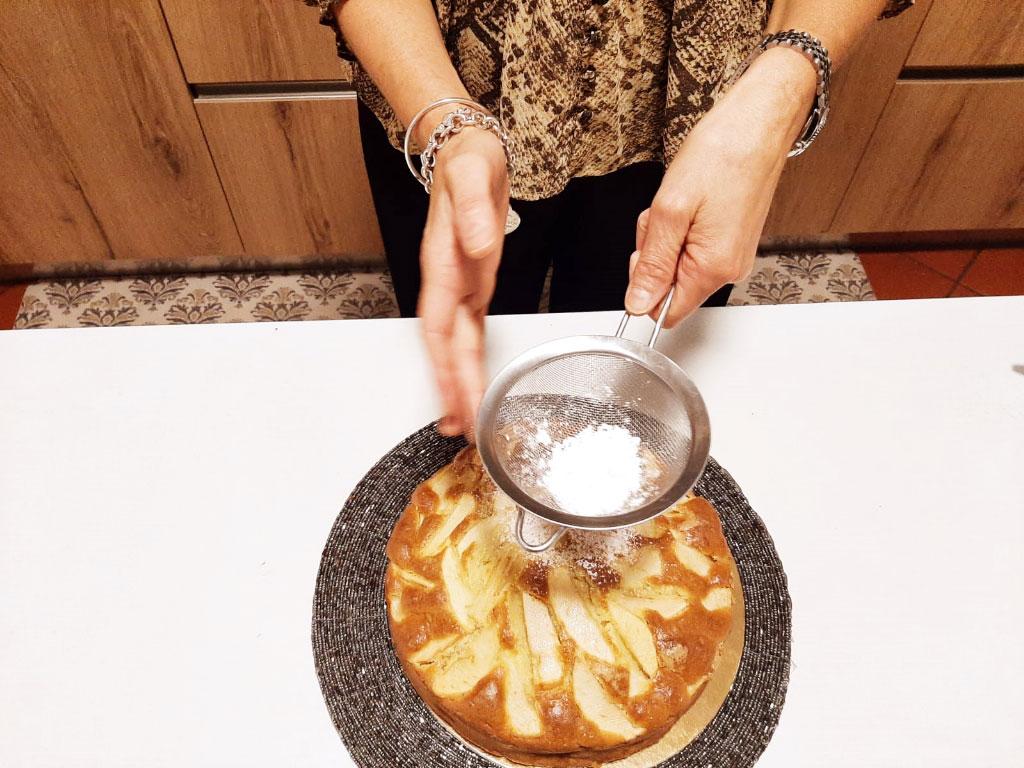 Torta sofficissima con mele e mascarpone della Monica
