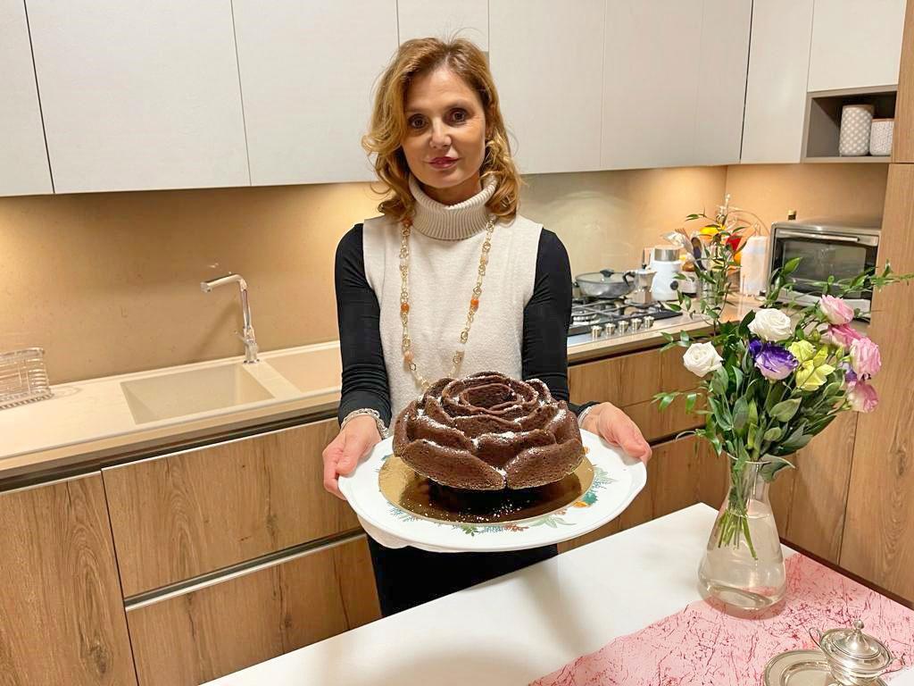 Ciambella soffice con cioccolato e cocco della Monica