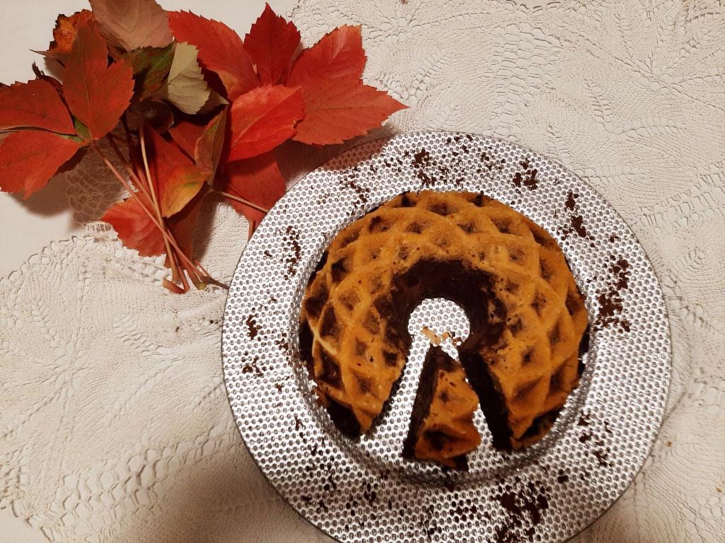 Ciambella umida con zucca e cioccolato della Monica