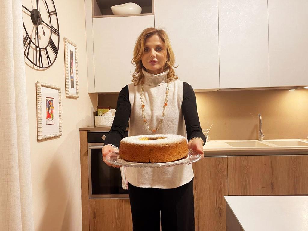 Ciambella soffice con yogurt e marmellata della Monica