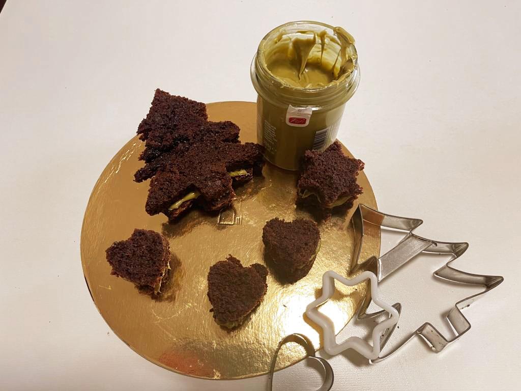 Dolcetti natalizi con crema al pistacchio