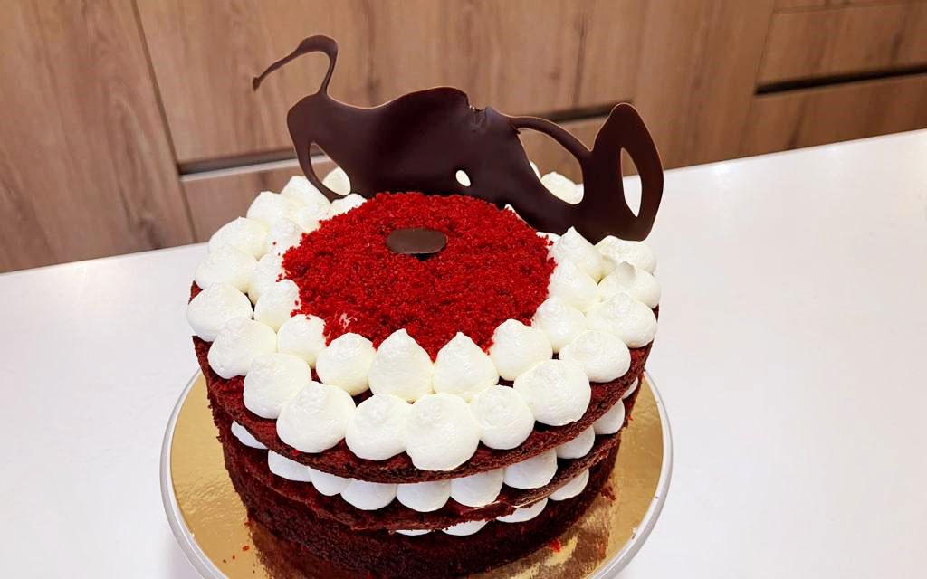 TORTA NATALIZIA RED VELVET CAKE DELLA MONICA