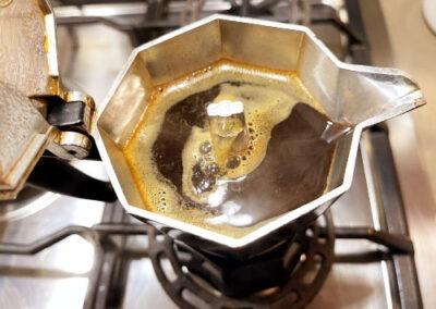 Preparo il caffè