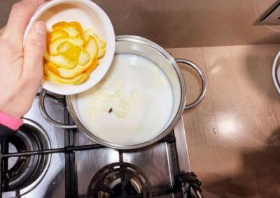 Più le bucce di una arancia e di un limone non trattati
