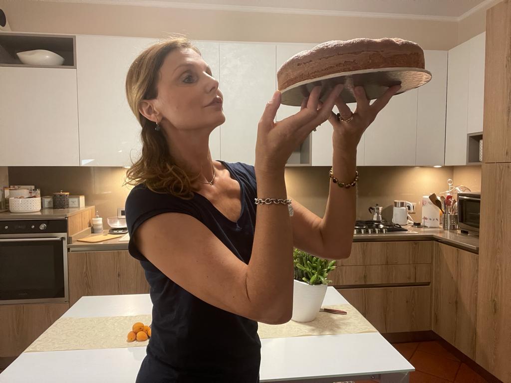 Torta soffice con albicocche e yogurt della Monica